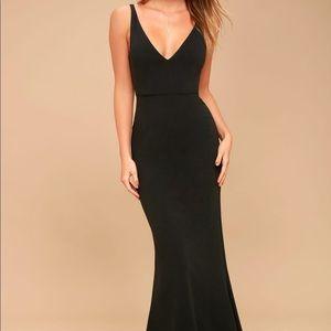 Lulu's sleeveless maxi gown